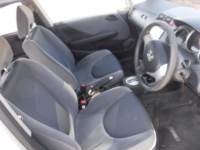 HONDA FIT 2006 ref: CCM2812011 (011)