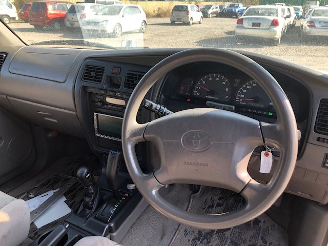 TOYOTA HILUX SURF 2000 ref: CCN4062011 (010)